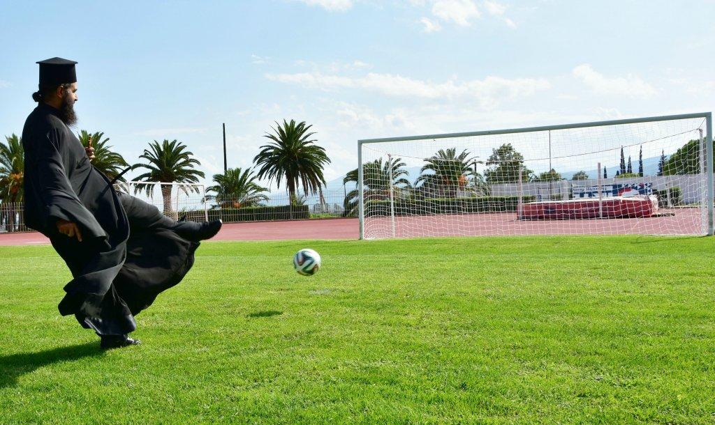 a-sports.gr :: Θρησκεία και μπάλα μια σχέση αλληλένδετη!